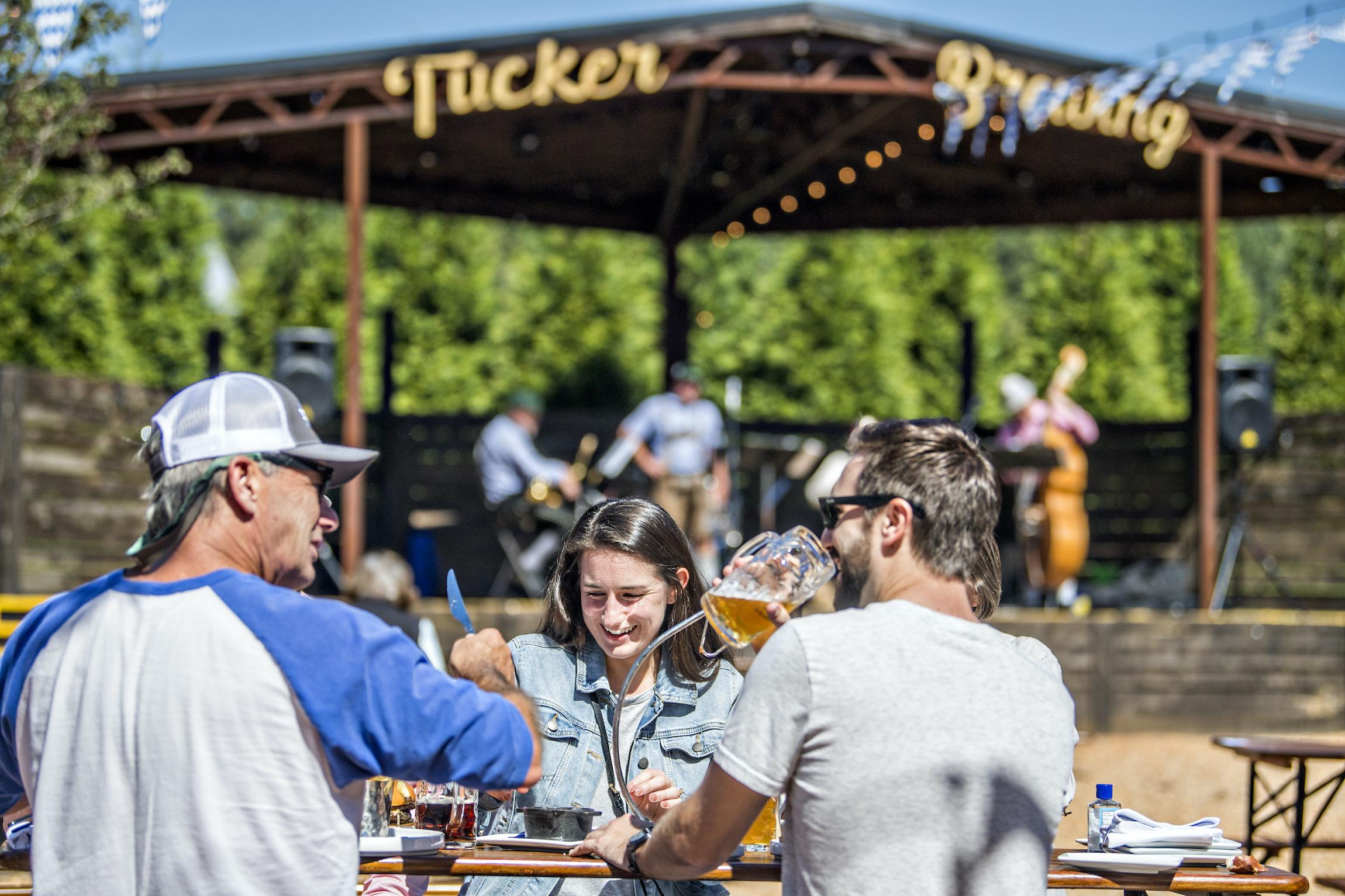 beers-and-cheers-in-the-beer-garden