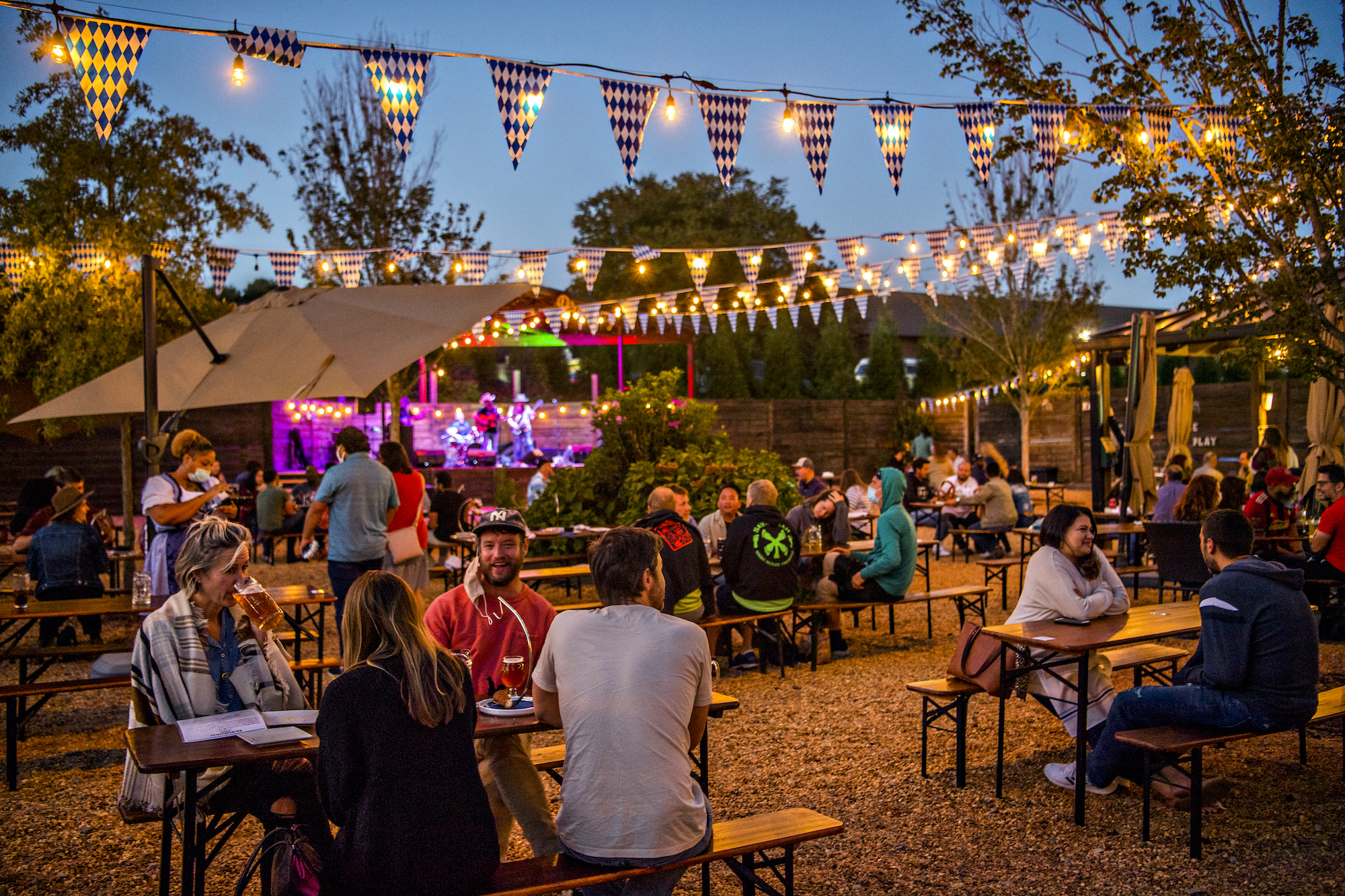 nighttime-beer-garden-and-live-music